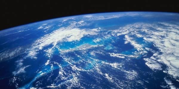 Площадь поверхности земли составляет