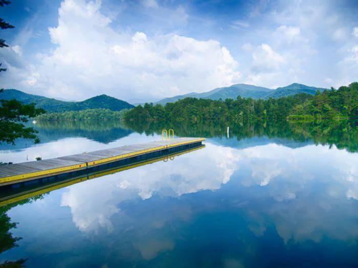 Самое большое озеро сша