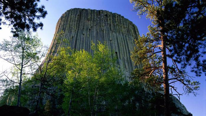 beautiful-devil-s-tower-in-wyoming (700x393, 453Kb)