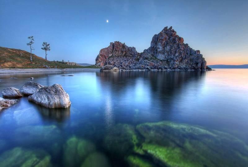 Какое самое глубокое озеро в россии