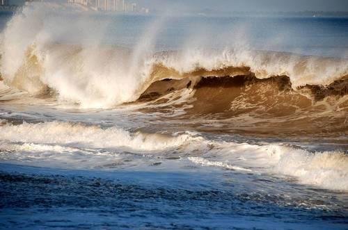 Почему море синее если вода прозрачная