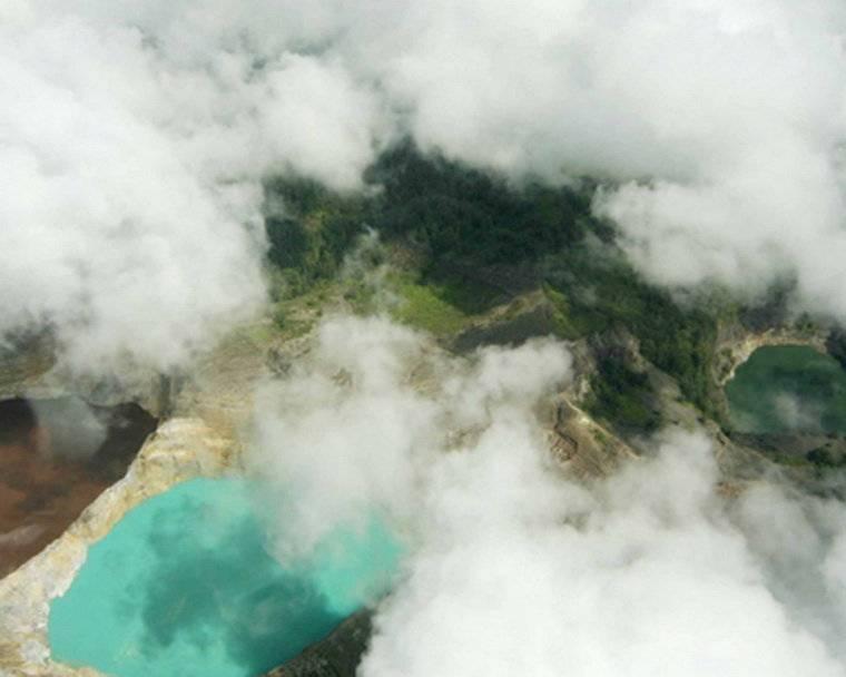 Вулкан келимуту озера