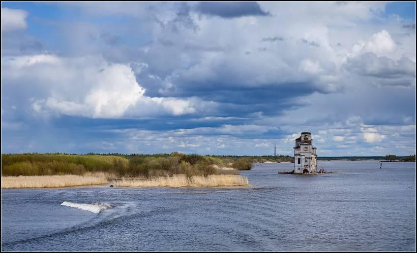 Самое большое пресноводное озеро в россии