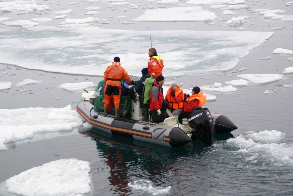 Использование природы данной зоны человеком арктические пустыни
