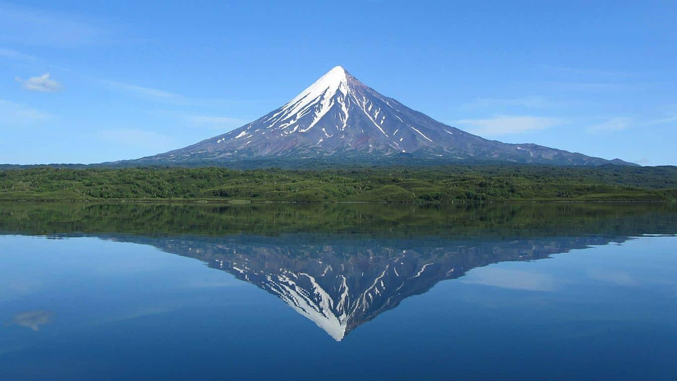 Самый большой вулкан в россии