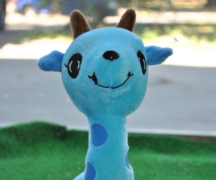 Синий жираф