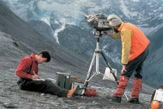 Что делает геолог