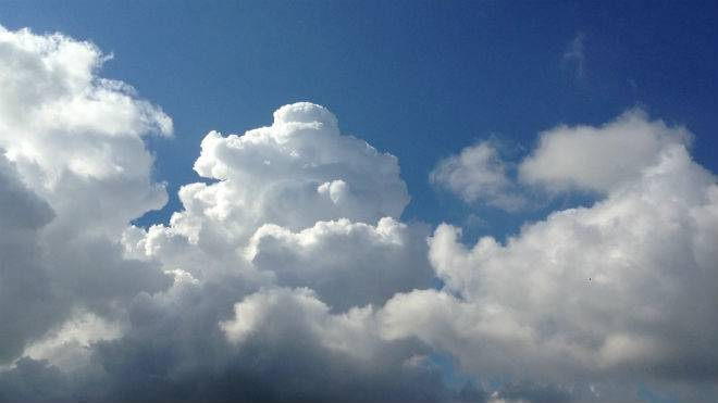 Кучевые облака образуются на высоте